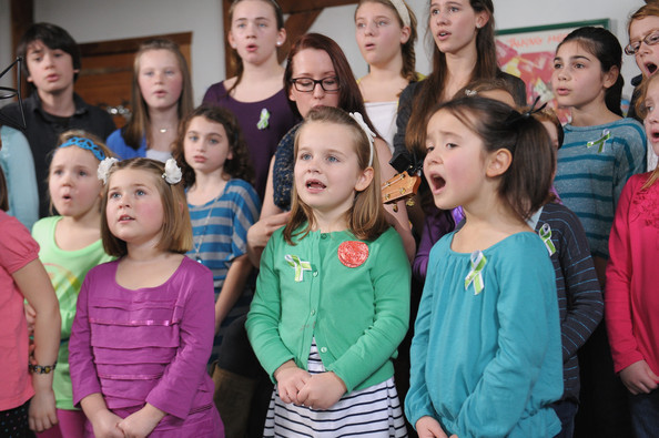 Ingrid Michaelson, Newtown children, Newtown survivors, Newtown charity song